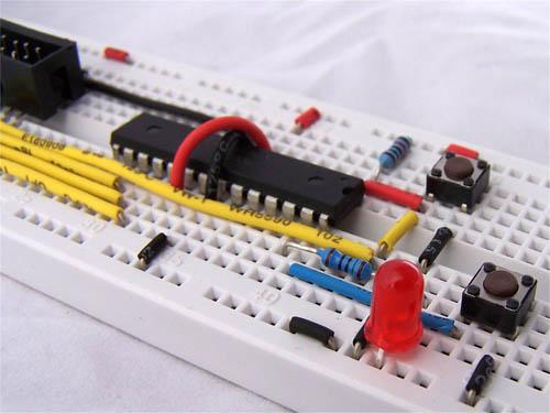 atmega8 breadboard circuit